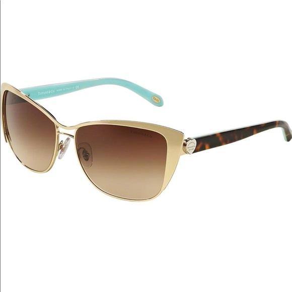 6cdc7d72144 Authentic Tiffany   Co. Sunglasses Heart Logo. M 5b6616da15379513221e77db.  Other Accessories ...